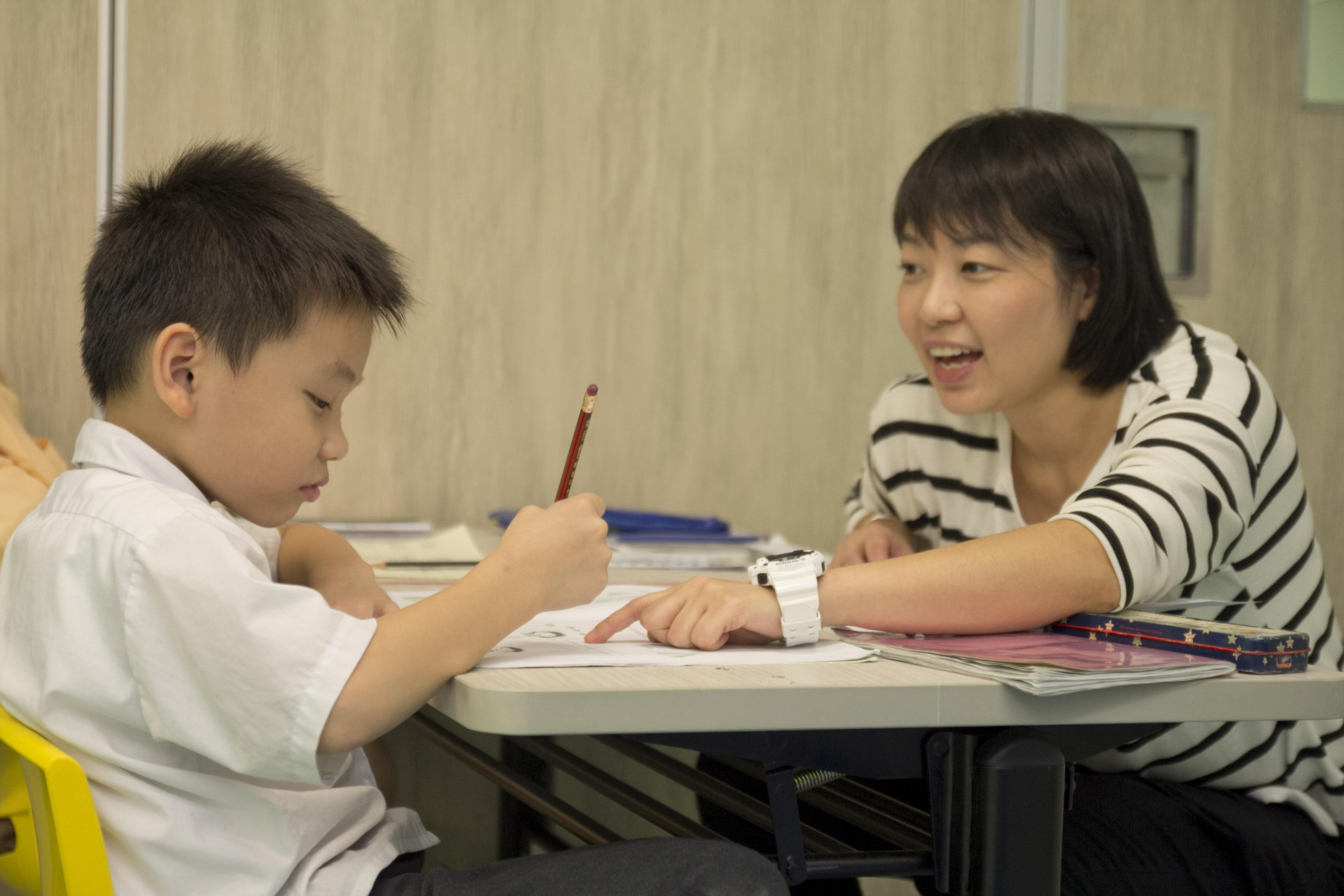 支援學童及青少年, 助他們加強學習能力及社交技巧。