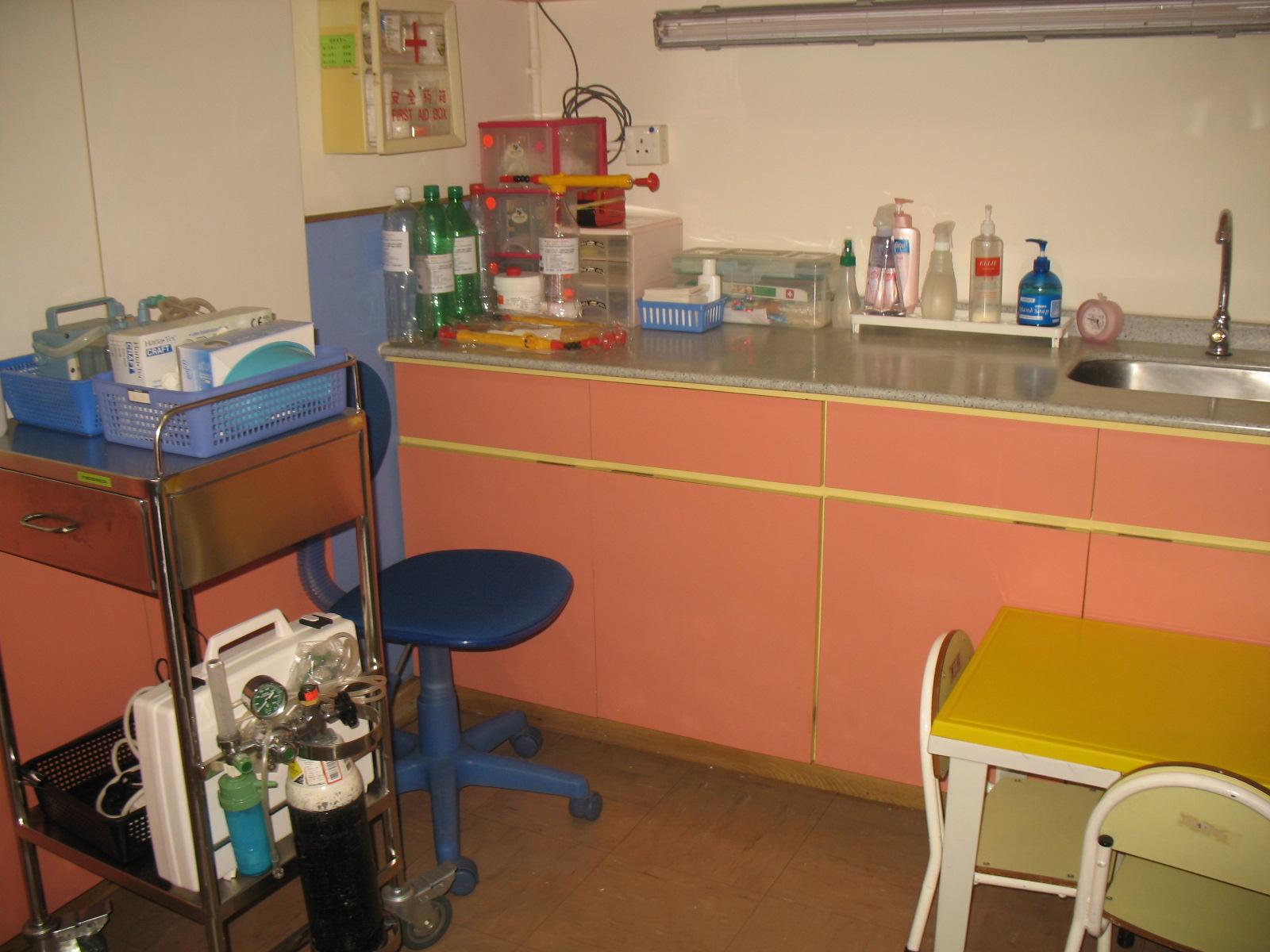 護士房為特別有需要的學童提供護理設施