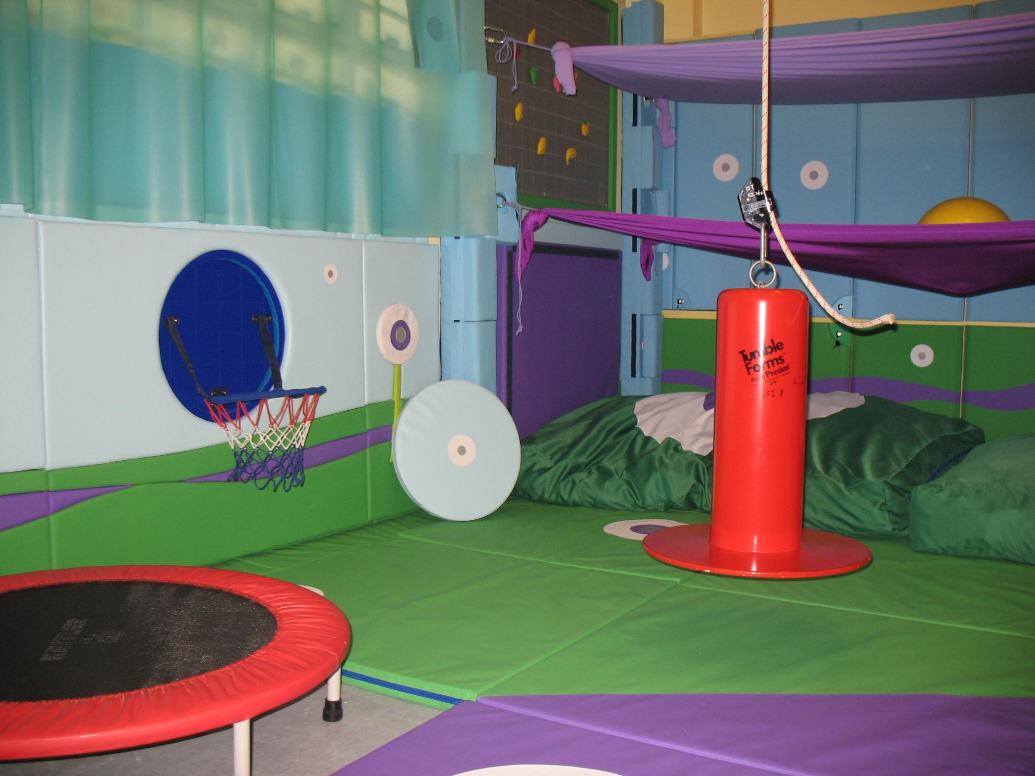 感覺統合治療室,為有感覺統合需要的學童提供合適的訓練。