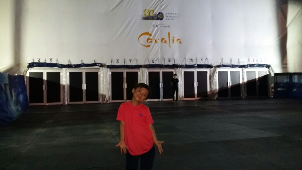 Hong Kong Jockey Club sponsored CAVALIA tickets for Heep Hong children and parents