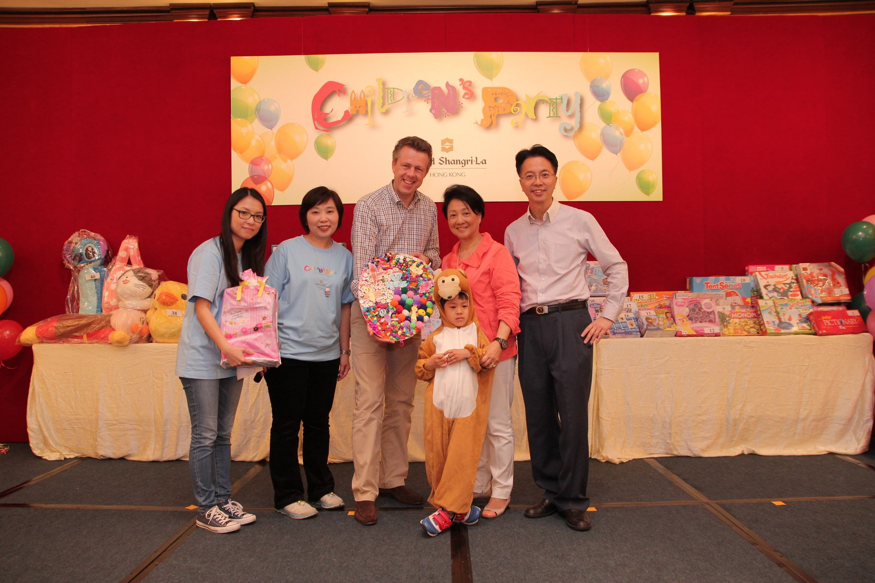 Island Shangri-La, Hong Kong, Celebrated Easter with Chan Chung Hon Centre Children and Parents